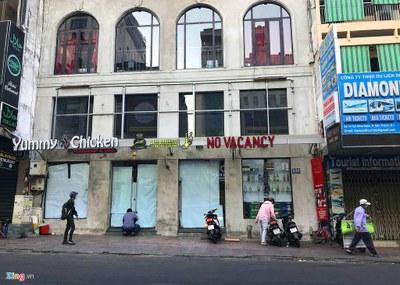 Việt Nam tạm dừng mọi hoạt động hội họp, tụ tập trên 20 người trong thời gian 2 tuần tới.