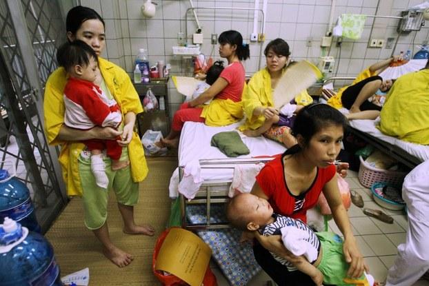 Một bệnh viện nhà nước ở Hà Nội ngày 17 tháng 4 năm 2014.