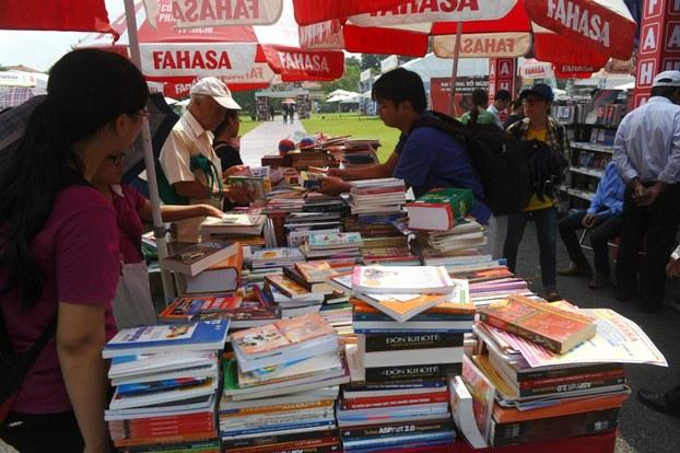 Hội chợ sách ở Hà Nội
