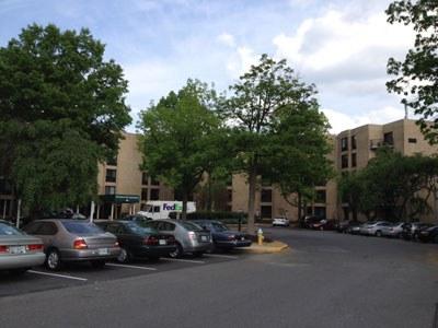 Nhà dưỡng lão Woodland Hill Senior Housing ở thành phố Arlington, bang Virginia, ảnh chụp hôm 8/5/2015. RFA PHOTO/Hòa Ái.