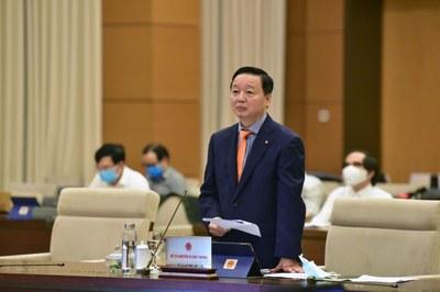 Bộ trưởng Tài nguyên-Môi trường Trần Hồng Hà tại phiên họp của Quốc hội ngày 15/6/2020.