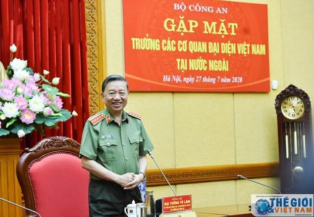 Hình minh hoạ. Bộ trưởng Công an Tô Lâm phát biểu tại buổi gặp các trưởng đại diện ngoại giao Việt Nam ở nước ngoài hôm 27/7/2020 tại Hà Nội