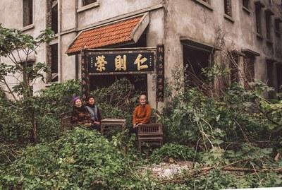 Một bức hình trong bộ ảnh Dân oan Dương Nội của nghệ sỹ Thịnh Nguyễn.