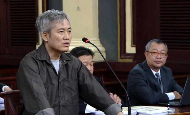 Nhà hoạt động Lưu Văn Vịnh tài tòa án năm 2018.