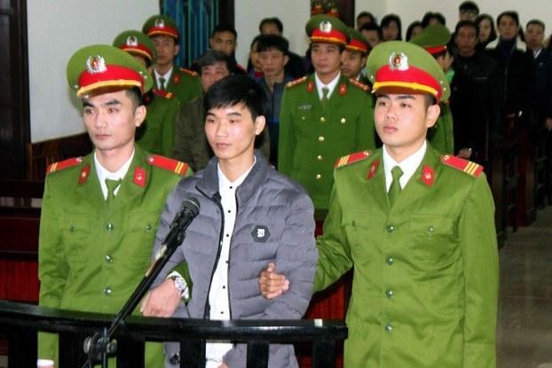 Nguyễn Văn Hóa tại phiên tòa ở Hà Tĩnh năm 2017.