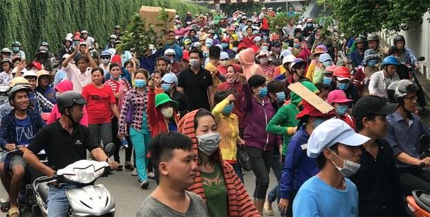 Công nhân Công ty Pouyuen biểu tình, ngày 11/06/18 phản đối Dự luật Đặc khu.