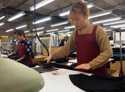 Thực tập sinh Việt Nam lao động tại một công ty Nhật.