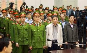 Hình minh họa. Cựu quan chức ngành dầu khí Trịnh Xuân Thanh và các bị cáo khác tại một phiên tòa tại Hà Nội hôm 22/1/2018