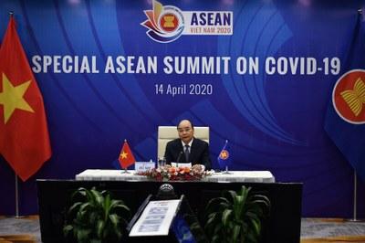 Hình minh họa. Thủ tướng Nguyễn Xuân Phúc phát biểu tại một cuộc họp trực tuyến của ASEAN ở Hà Nội hôm 14/4/2020
