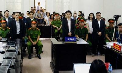 Phiên tòa xử các thành viên của Hội Anh Em Dân Chủ ở Hà Nội hôm 5/4/2018