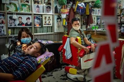Một cửa tiệm ở Sài Gòn trong dịch COVID-19 hôm 24/3/2020