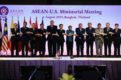 Hình minh hoạ. Ngoại trưởng Hoa Kỳ Mike Pompeo chụp hình cùng các ngoại trưởng các nước ASEAN ở Bangkok, Thái Lan hôm 1/8/2019