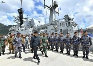 Tổng thống Joko Widodo của Indonesia tới một căn cứ quân sự ở quần đảo Natuna hôm 8/1/2020.
