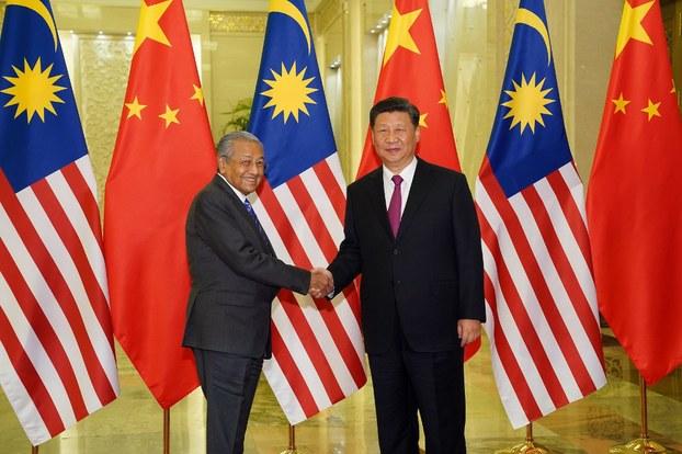 Thủ tướng Malaysia Mahathir Mohamad và Chủ tịch Trung Quốc Tập Cận Bình tại Bắc Kinh hôm 25/4/2019.