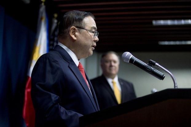 Ngoại trưởng Philippines Teodoro Locsin tại một cuộc họp báo ngày 1/3/2019 ở Manila