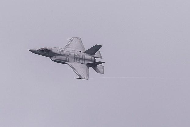 Hình minh  họa. Máy bay chiến đấu của Mỹ tại triển lãm hàng không Singapore hôm 11/2/2020