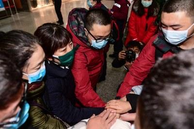 Các nhân viên y tế Trung Quốc đang chuẩn bị đến Vũ Hán để trợ giúp khi dịch Corona bùng phát.