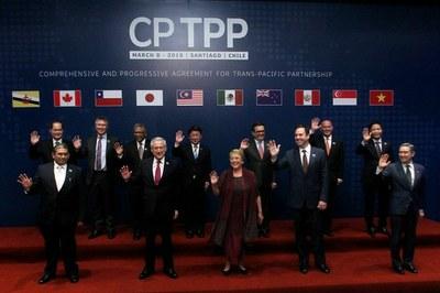 Đại diện các nước thành viên CPTPP trước lễ ký hiệp định ở Santiago, Chile.