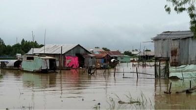Những xóm nhà lưa thưa ở vùng biên giới An Giang.
