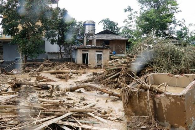 Hình ảnh mưa lũ tàn phá tại một làng ở tỉnh Yên Bái hôm 21/7/2018
