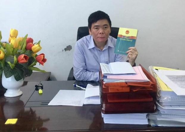 Luật sư Trần Vũ Hải tại văn phòng ở Hà Nội