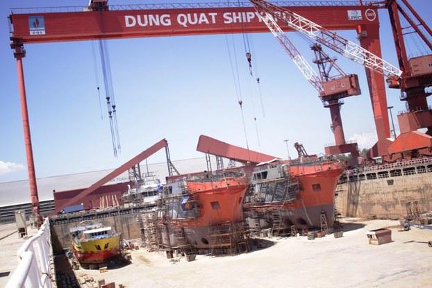 Nhà máy đóng tàu Dung Quất