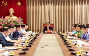 Bí thư Thành ủy Hà Nội Vương Đình Huệ chủ trì buổi làm việc với các đơn vị liên quan về xử lý chất thải rắn trên địa bàn thành phố Hà Nội chiều 25/10.