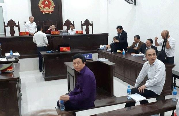 Các bị cáo tại phiên tòa ở Hà Nội hôm 19/10/2019