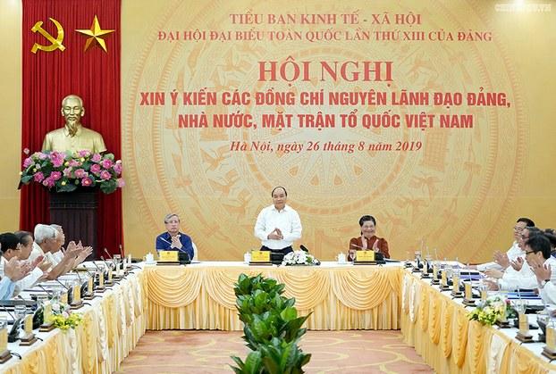 Tiểu ban Kinh tế-Xã hội của Đại hội Đảng XIII, vào ngày 26/08/19 tổ chức hội nghị xin ý kiến các cựu lãnh đạo cấp cao đối với Chiến lược 10 năm của Việt Nam.