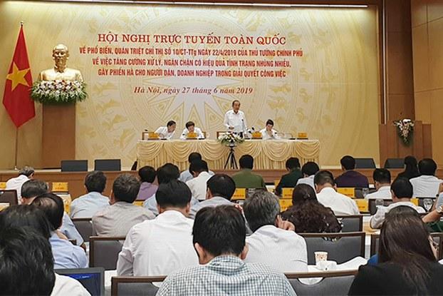 Phó thủ tướng thường trực Trương Hòa Bình phát biểu tại hội nghị xử lý tình trạng nhũng nhiễu, gây phiền hà cho người dân
