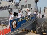 Thượng nghị sĩ John McCain thăm chiến hạm Mỹ tại Cam Ranh