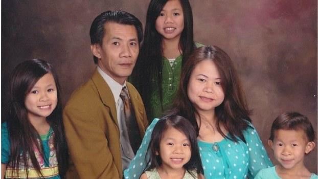 Ông Michael Phuong Minh Nguyen và gia đình