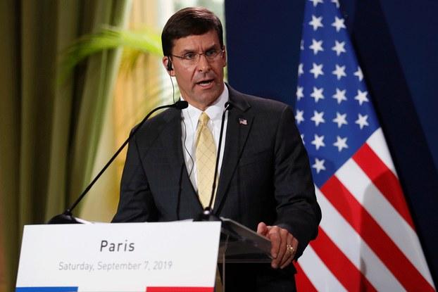 Hình minh họa. Bộ trưởng Quốc phòng Hoa Kỳ Mark Esper phát biểu tại một họp báo ở Paris, Pháp hôm 7/9/2019