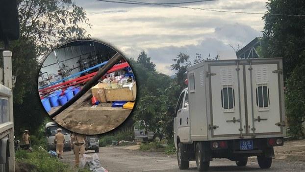 Lực lượng chức năng Việt Nam tiến hành kiểm tra nhà xưởng sản xuất ma túy của nhóm người Trung Quốc.