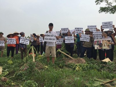 Nông dân Dương Nội khiếu kiện đất đai từ năm 2008 đến nay vẫn chưa được Chính phủ giải quyết dứt điểm.
