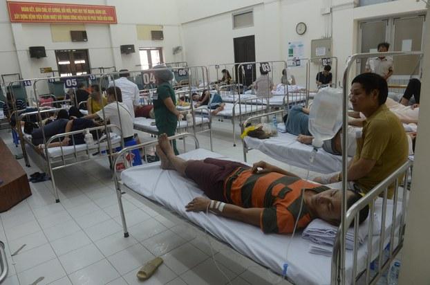 Bệnh nhân sốt xuất huyết tại một bệnh viện tại hà Nội hôm 9/8/2017.