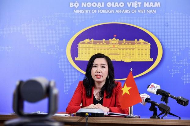 Phát ngôn nhân Bộ Ngoại giao Việt Nam Lê Thị Thu Hằng trong cuộc họp báo thường kỳ của Bộ Ngoại giao được tiến hành trực tuyến chiều ngày 26/3.